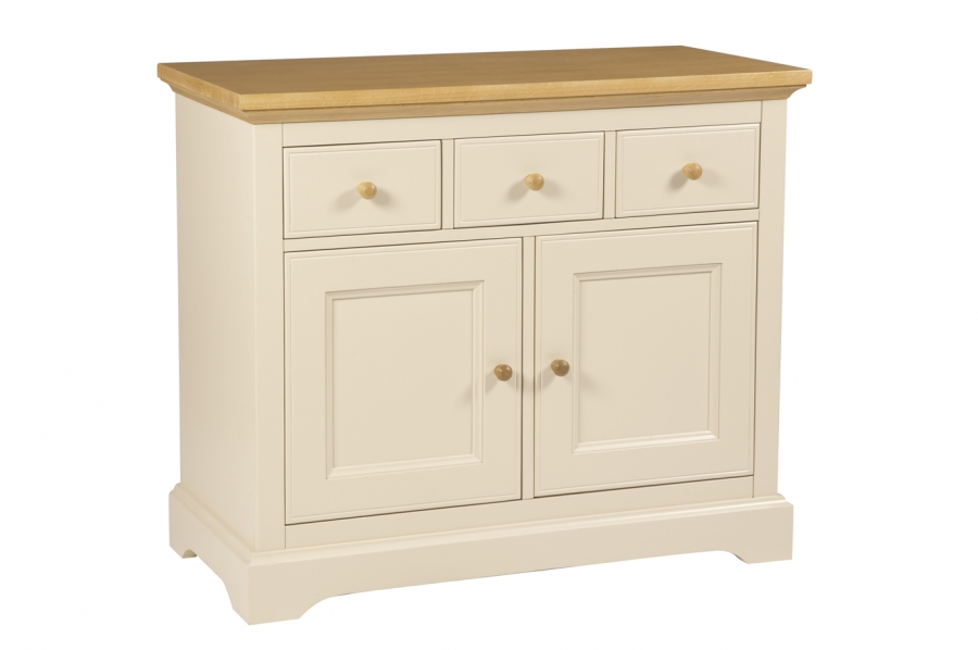Oakham 2 Door Sideboard Qualita